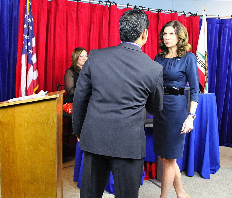 Dr. Raul Ruiz, who grew up in Coachella, shakes hands with Congresswoman Mary Bono Mack before they faced off during the 36th District Congressional Debate. PHOTO: Aurora Saldivar/Coachella Unincorporated